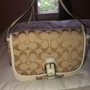 Coach Hadley Signature Field Bag F30601